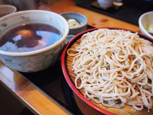 蕎麦 初花 卵とチャーシューのつけ麺