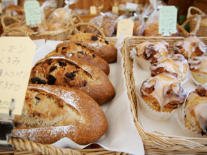 Sweets & Bread 麦の家