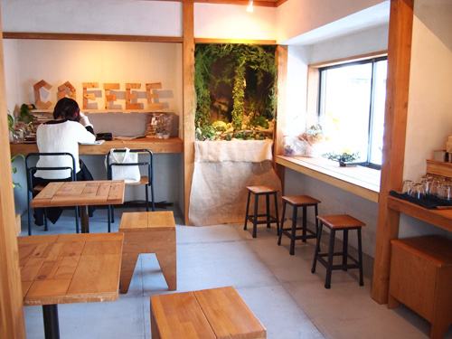 AKITO COFFEE 店内2階