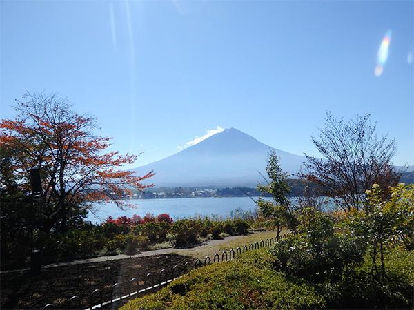 レイクベイク 店内から見える富士山