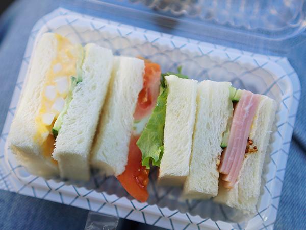 丸十パン サンドイッチ