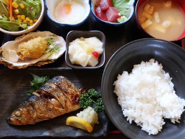 ○九 まる九定食