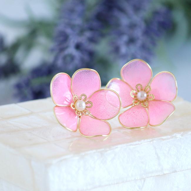 Flower Phoebe ピアス『桃の花』