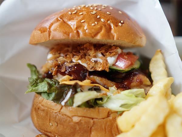 ハラペコカフェ BBQ&チーズ・チキンタワー