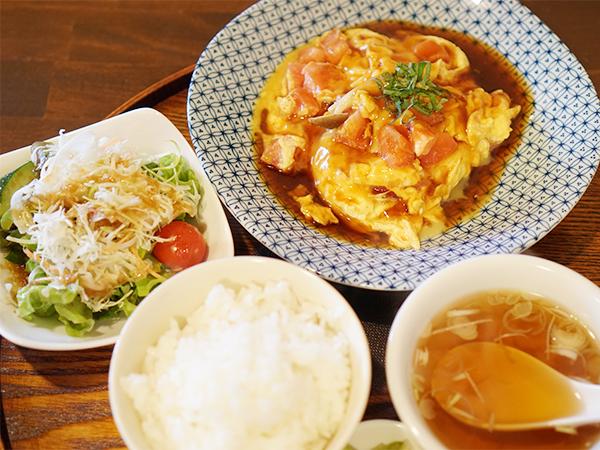 彩華 卵とトマトの甘酢あんかけの定食セット
