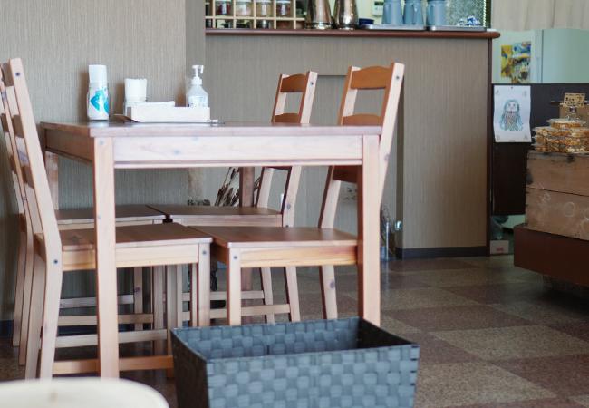 カレー食堂ビリヤタ テーブル席