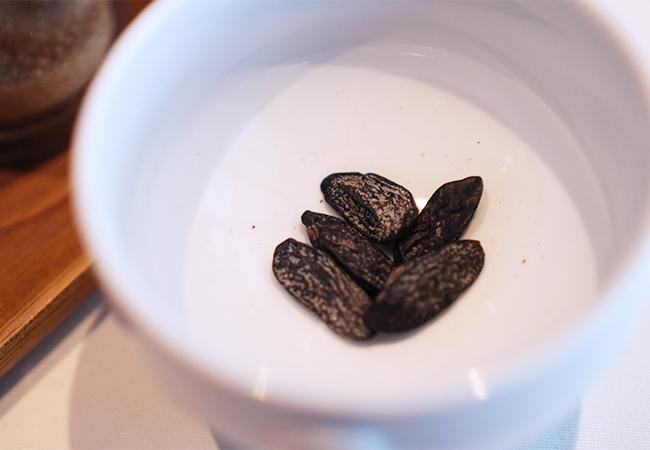 ITASHI デザート使用のトンカ豆