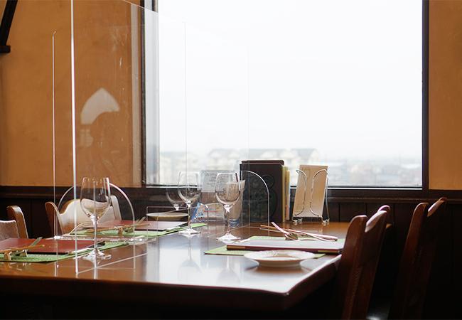 レストランテ 風 テーブル席と展望