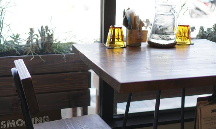 LIV SPICE テーブル席