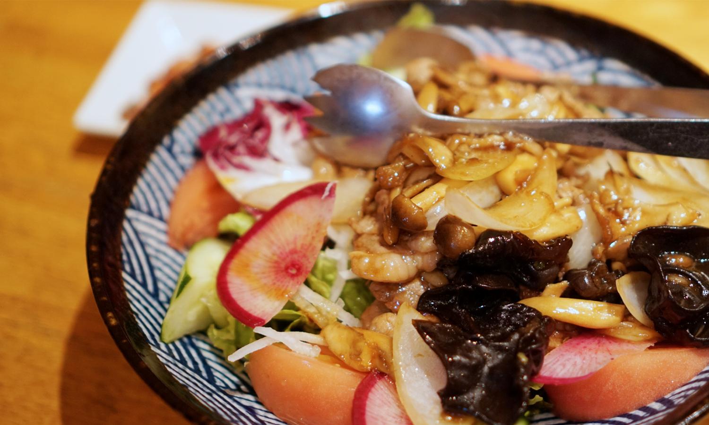 中国家庭料理 桃 きのこサラダ