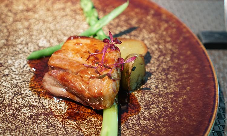 オステリアドラマティコ コース 肉料理